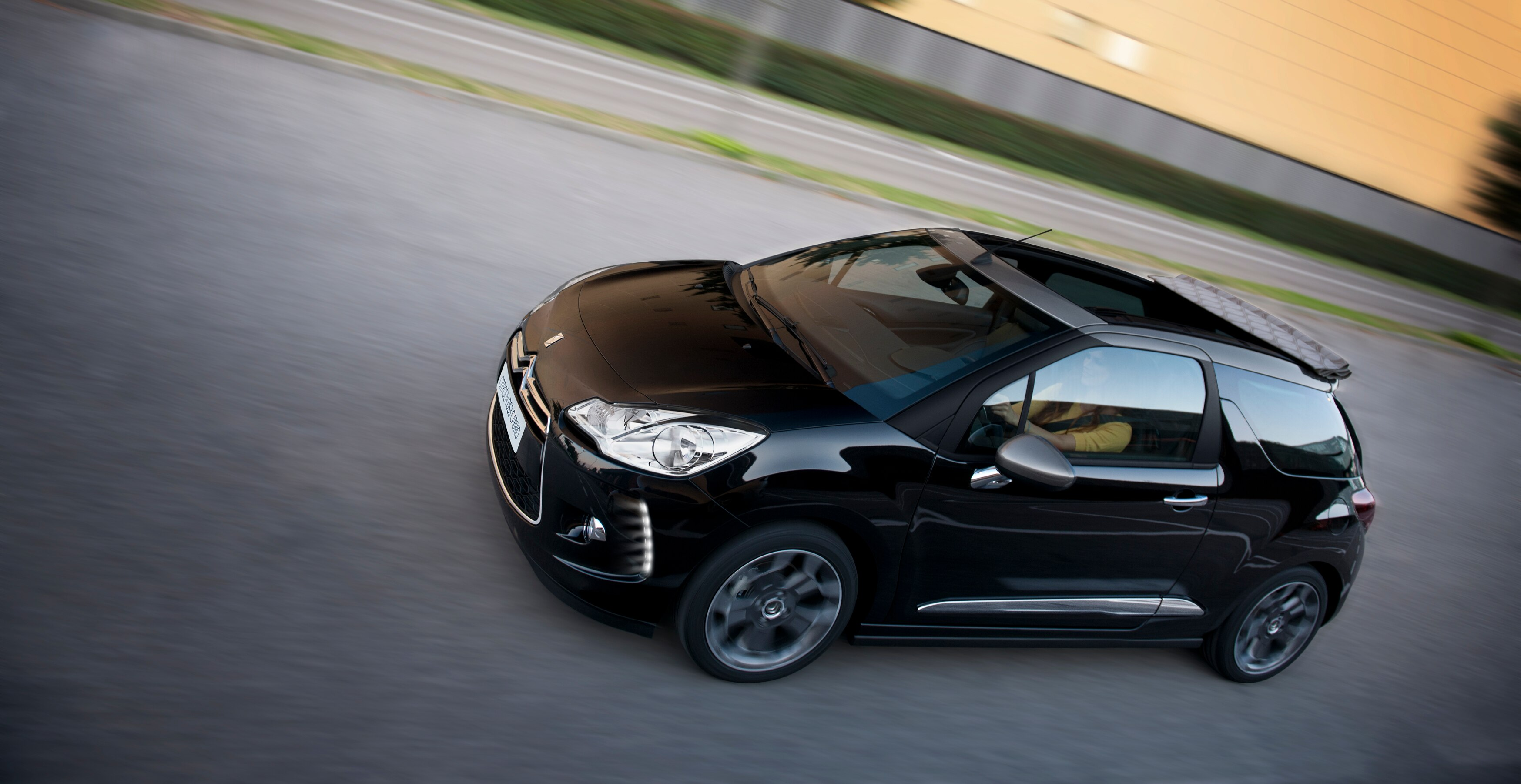 comportement_routier-citroen-ds3-cabrio